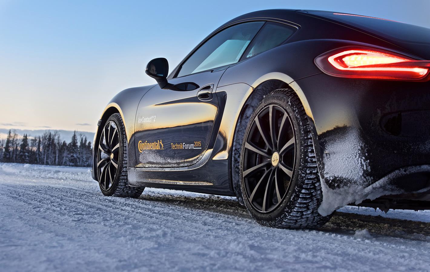 Opony Continental IceContact 2 założone nasamochód Porsche