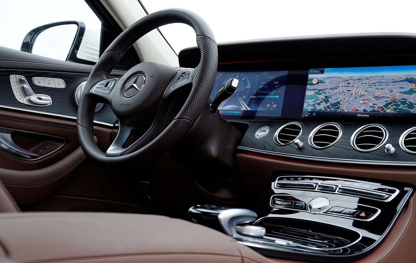 Mercedes-Benz Klasy E wnętrze