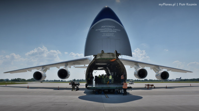 Antonov An-124 wnętrze