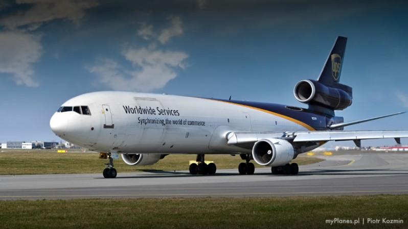 samolot UPS
