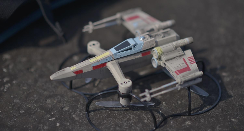 statek start wars dron