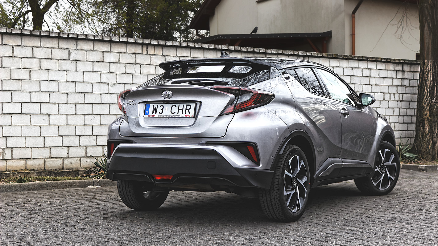 Toyota C-HR 1.2T 6MT to crossover