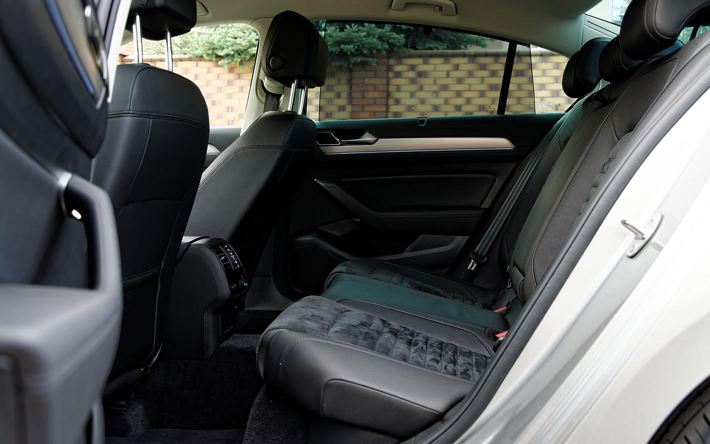 Ilość miejsca z tyłu w Volkswagen Passat
