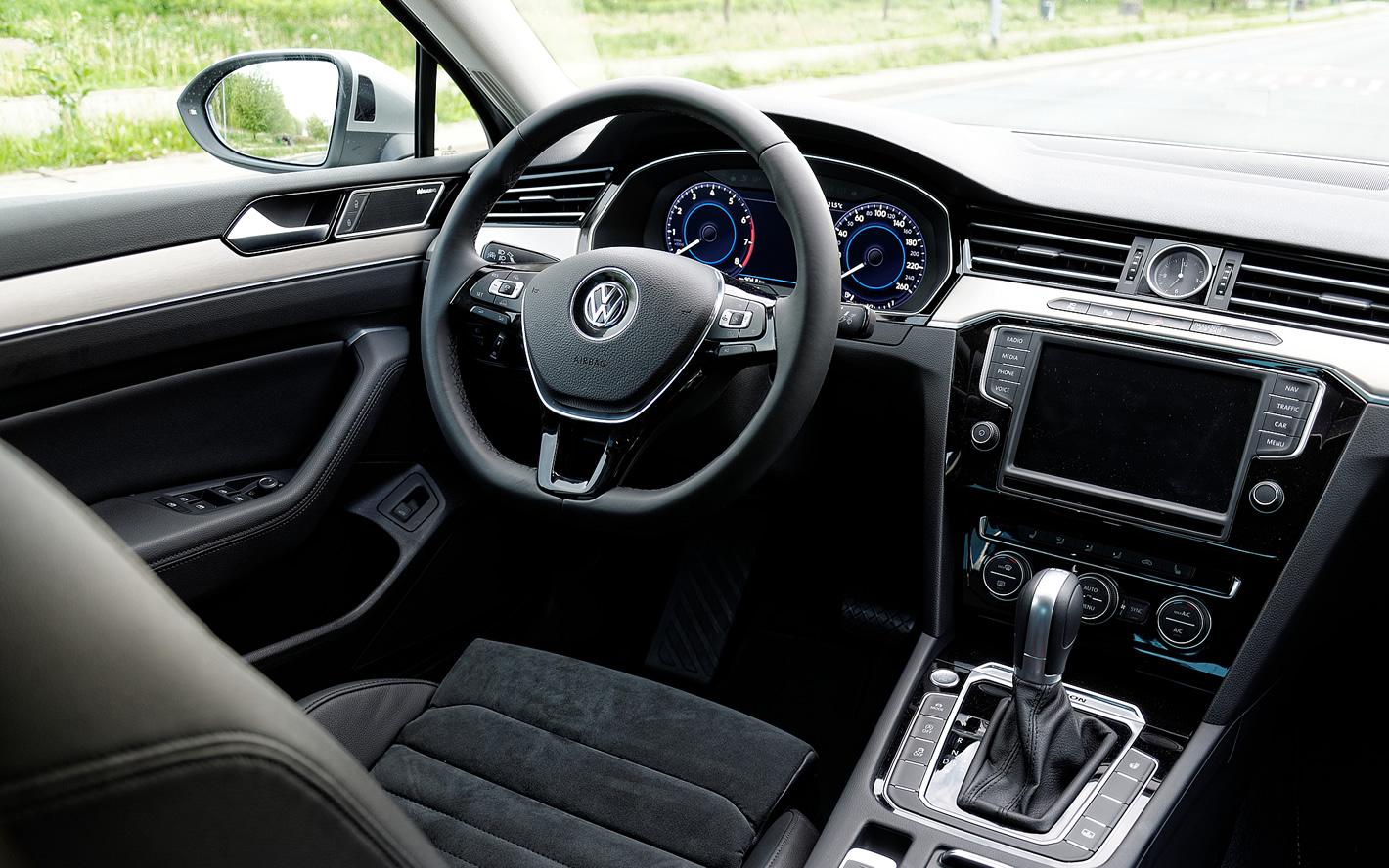 Kokpit w Volkswagen Passat 2.0 TSI 4Motion