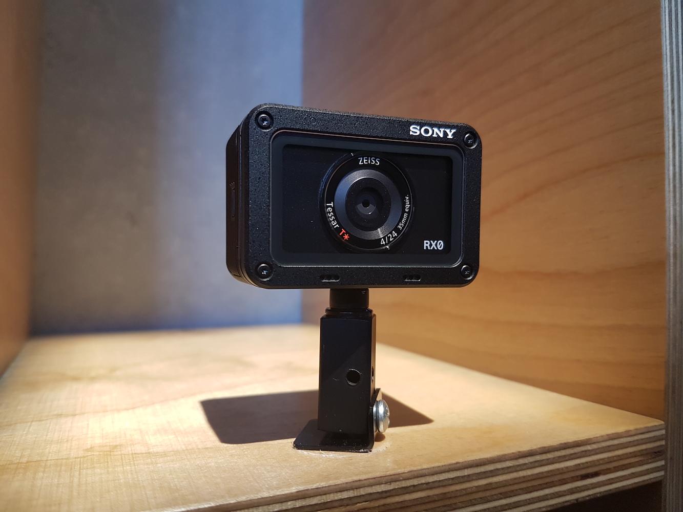 Kamera Sony RX0 - wygląd urządzenia