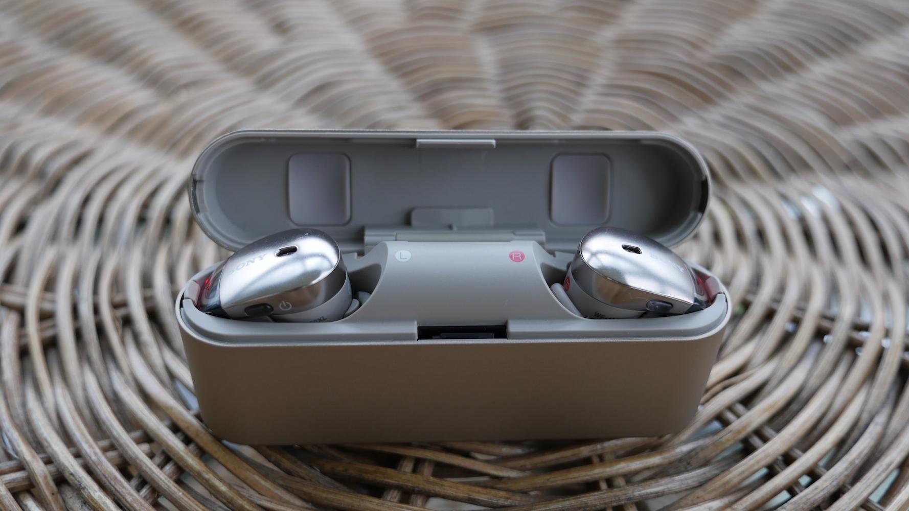 Ładowanie słuchawek Sony WF-1000X