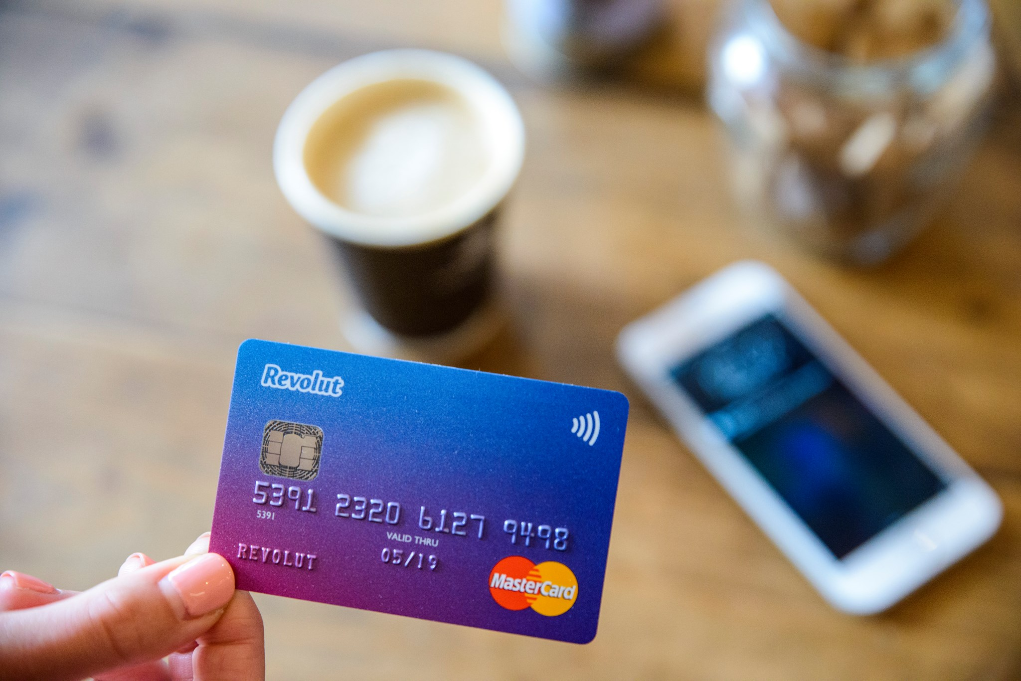 revolut karta płatnicza