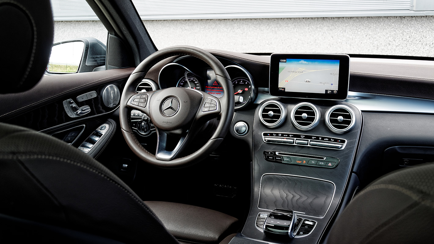Mercedes-Benz GLC 350 e 4Matic - wnętrze