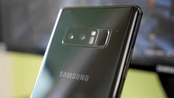 smartfon samsung - tył