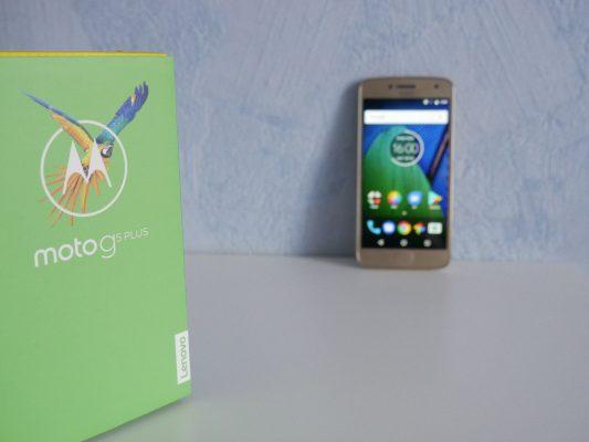 Motorola Moto G5 Plus toczysty Android zdodatkami odMotoroli