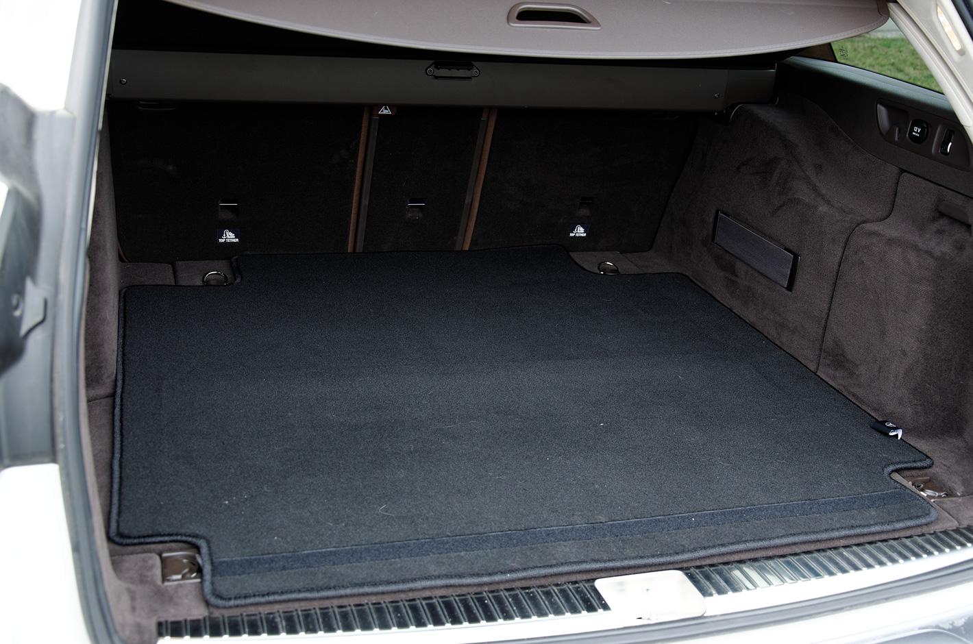 Mercedes-Benz Klasy E 4Matic All-Terrain bagażnik