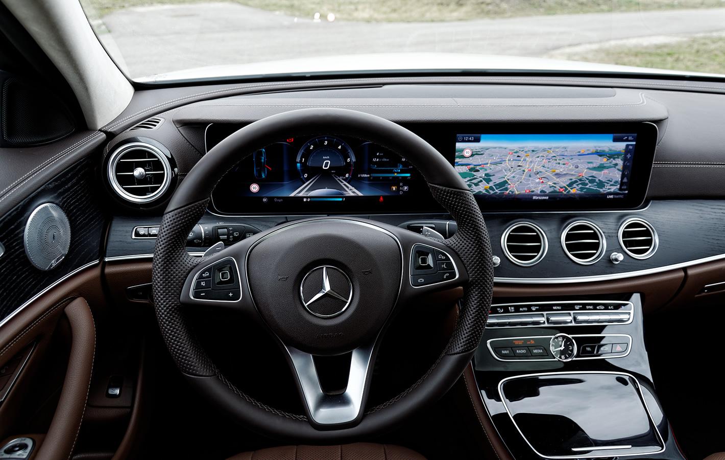 Mercedes-Benz Klasy E 4Matic All-Terrain kierownica