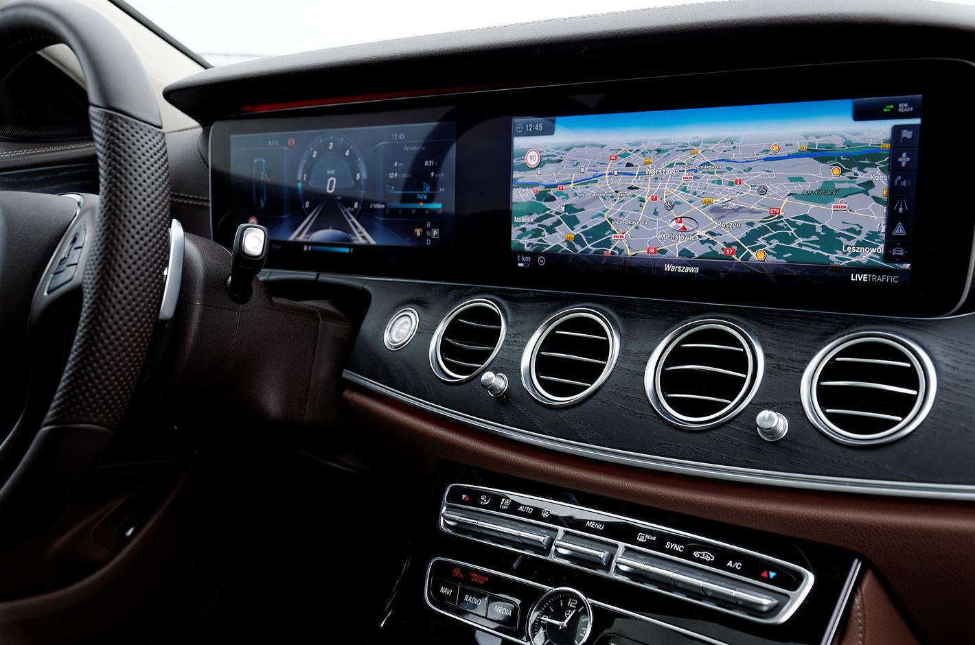 Mercedes-Benz Klasy E 4Matic All-Terrain - kokpit