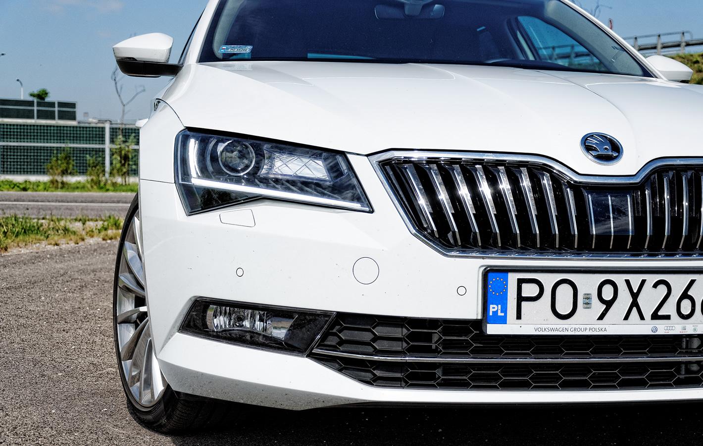Škoda Superb - reflektory bi-xenonowe