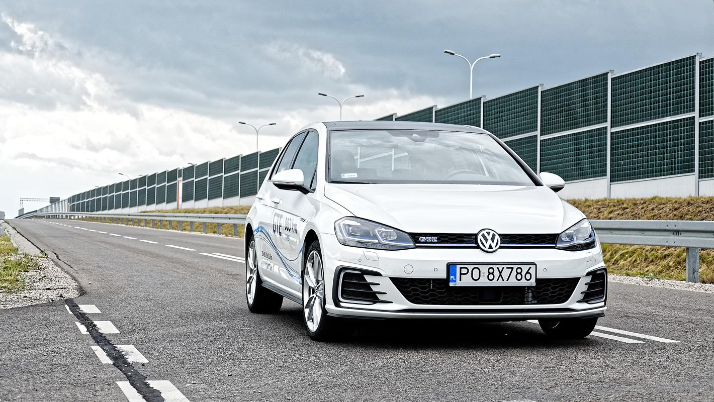 Volkswagen Golf GTE z przodu