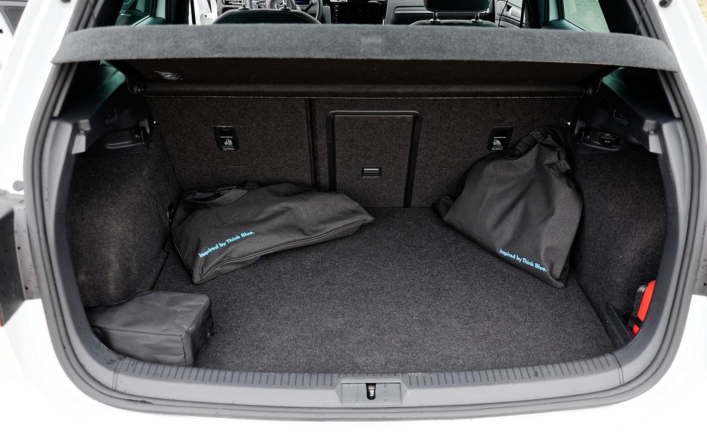 Volkswagen Golf GTE - bagażnik