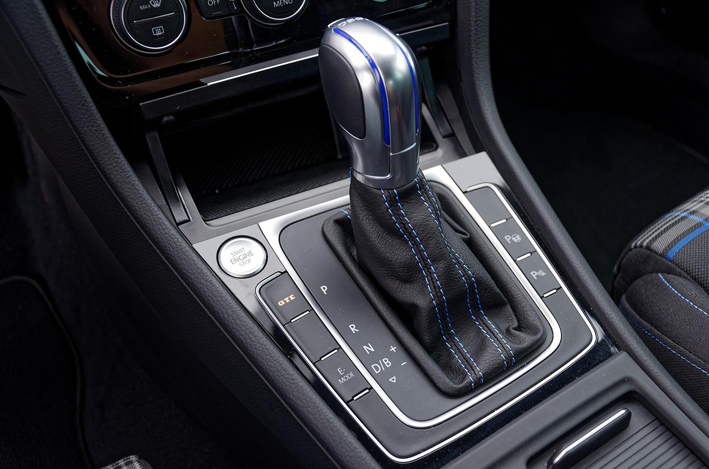 Volkswagen Golf GTE - przełącznik trybów jazdy