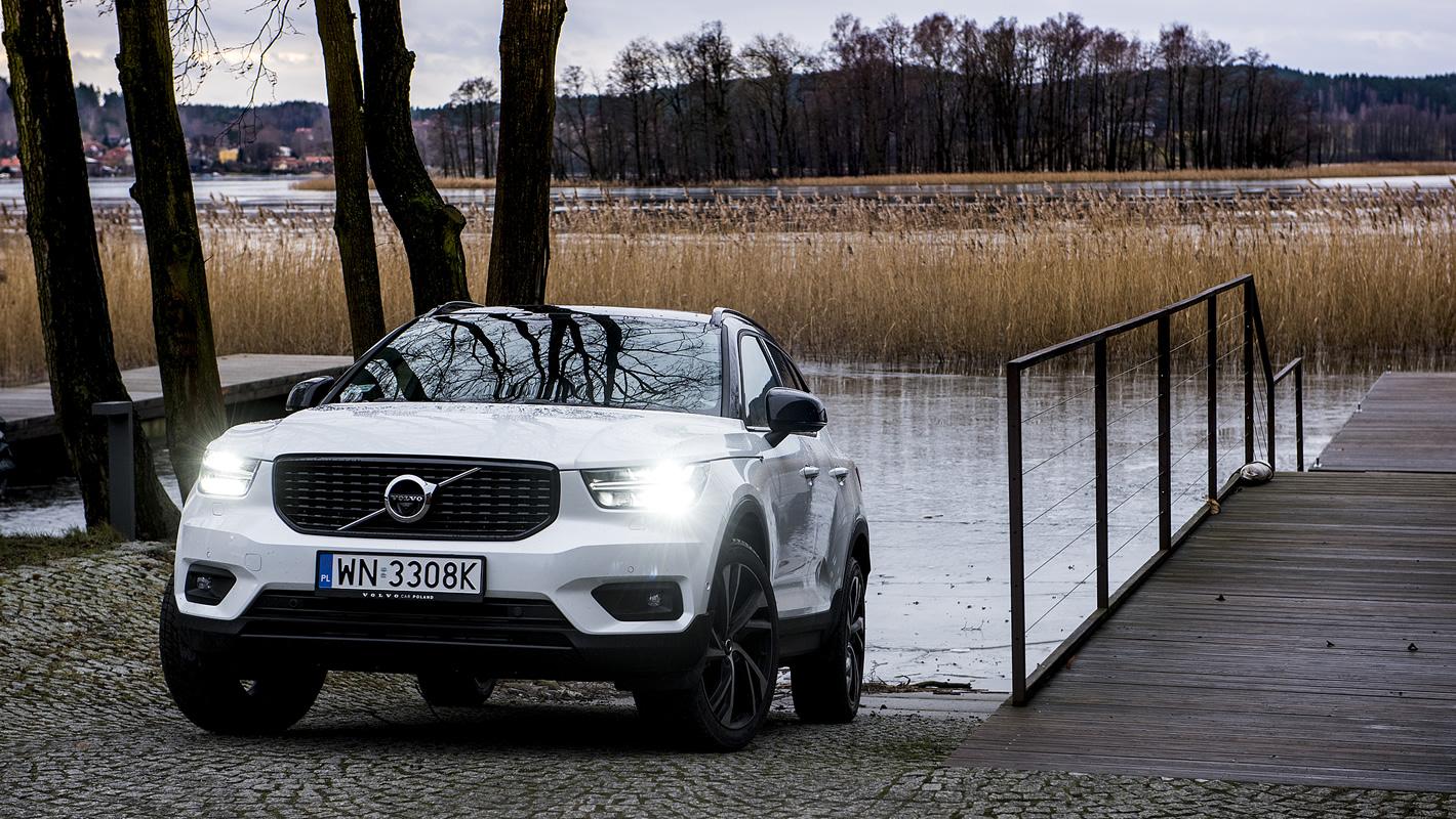 Volvo XC40 w białym kolorze