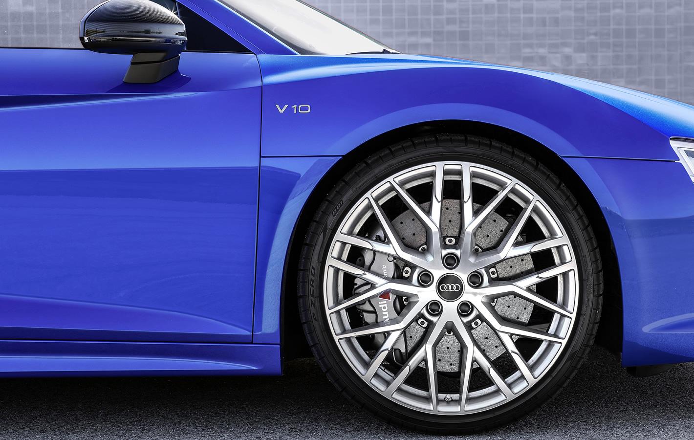 Audi R8 Plus - hamulce