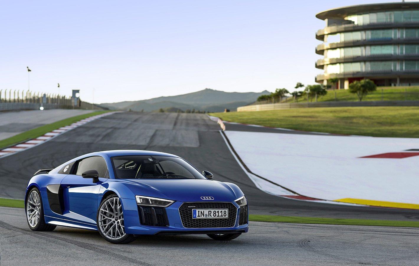 Audi R8 Plus na torze