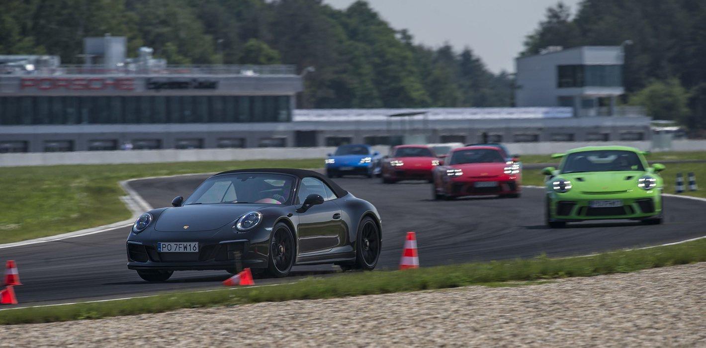 Peleton Porsche 911