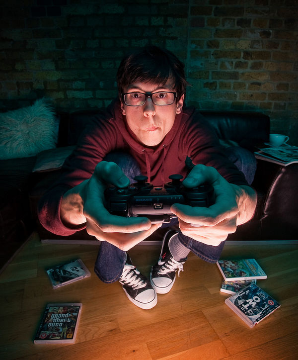 late-night-gamer_l