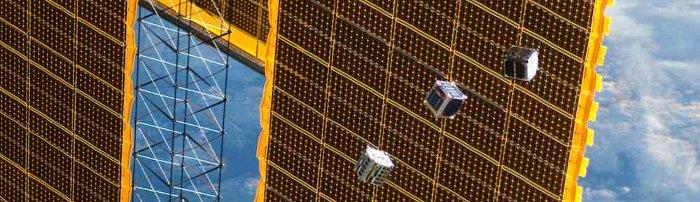 Uwolnienie satelitów typu CubeSat z ISS - październik 2012 / Credits - NASA