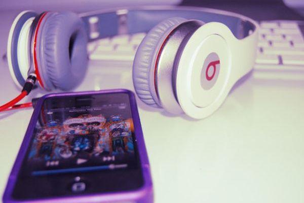 apple-apple-ipod-touch-art-beats-by-dre-Favim.com-488470
