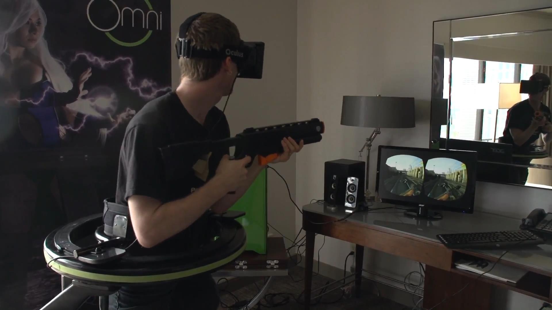 Virtuix Omni _ Oculus Test Drive - Linus _ Slick Virtual Reality Virgins.mp4_snapshot_04.27_[2013.06.04_10.59.07]