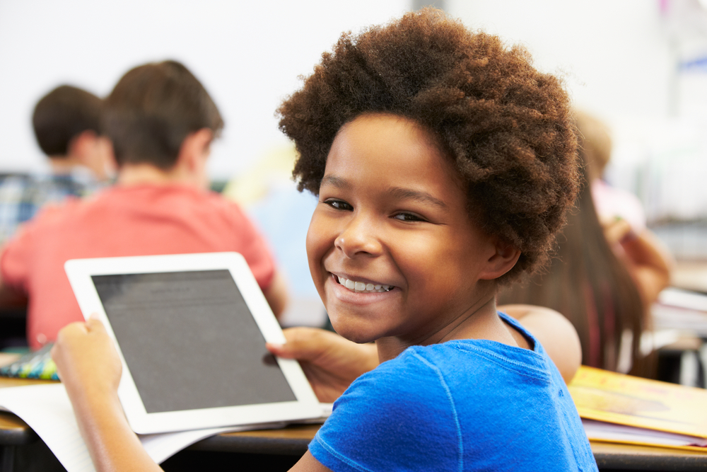School-kid-with-tablet