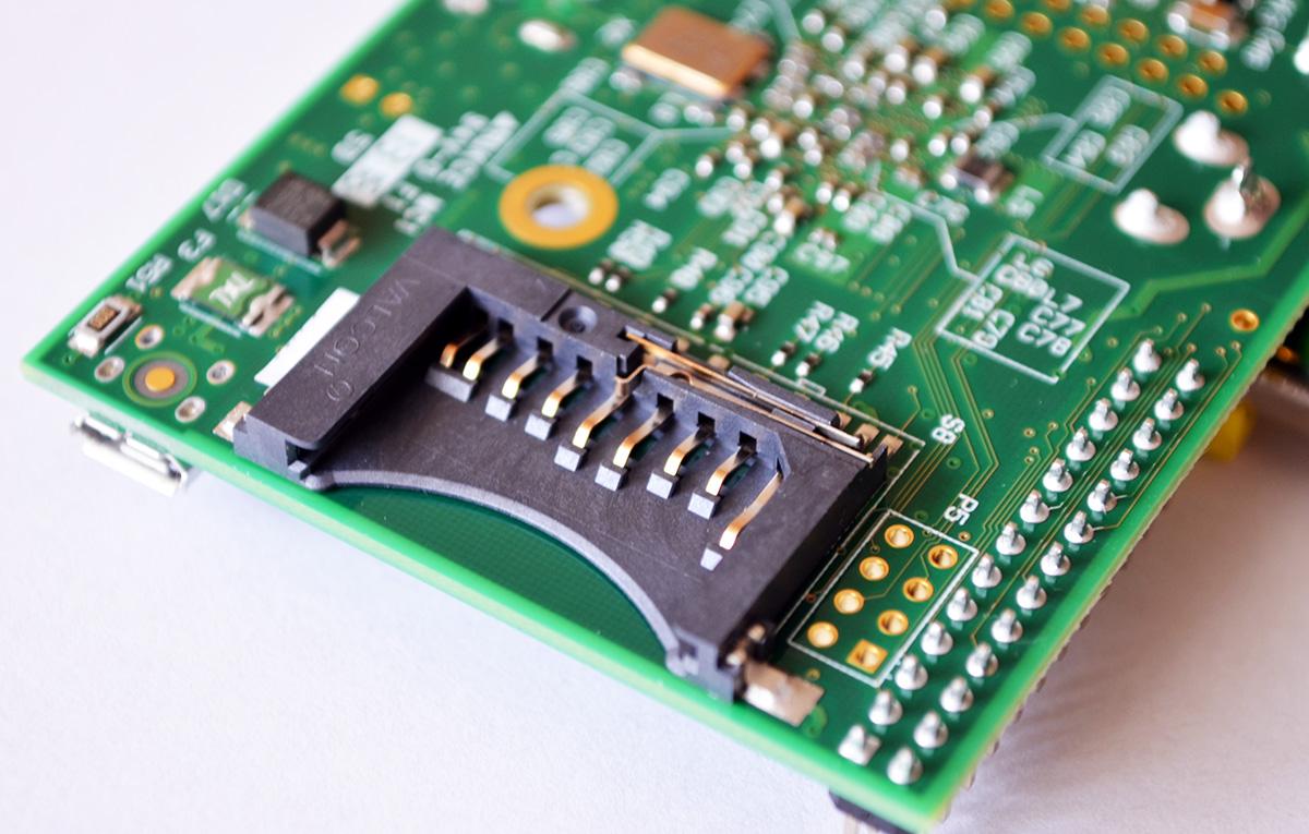 Raspberry Pi Mini SD slot