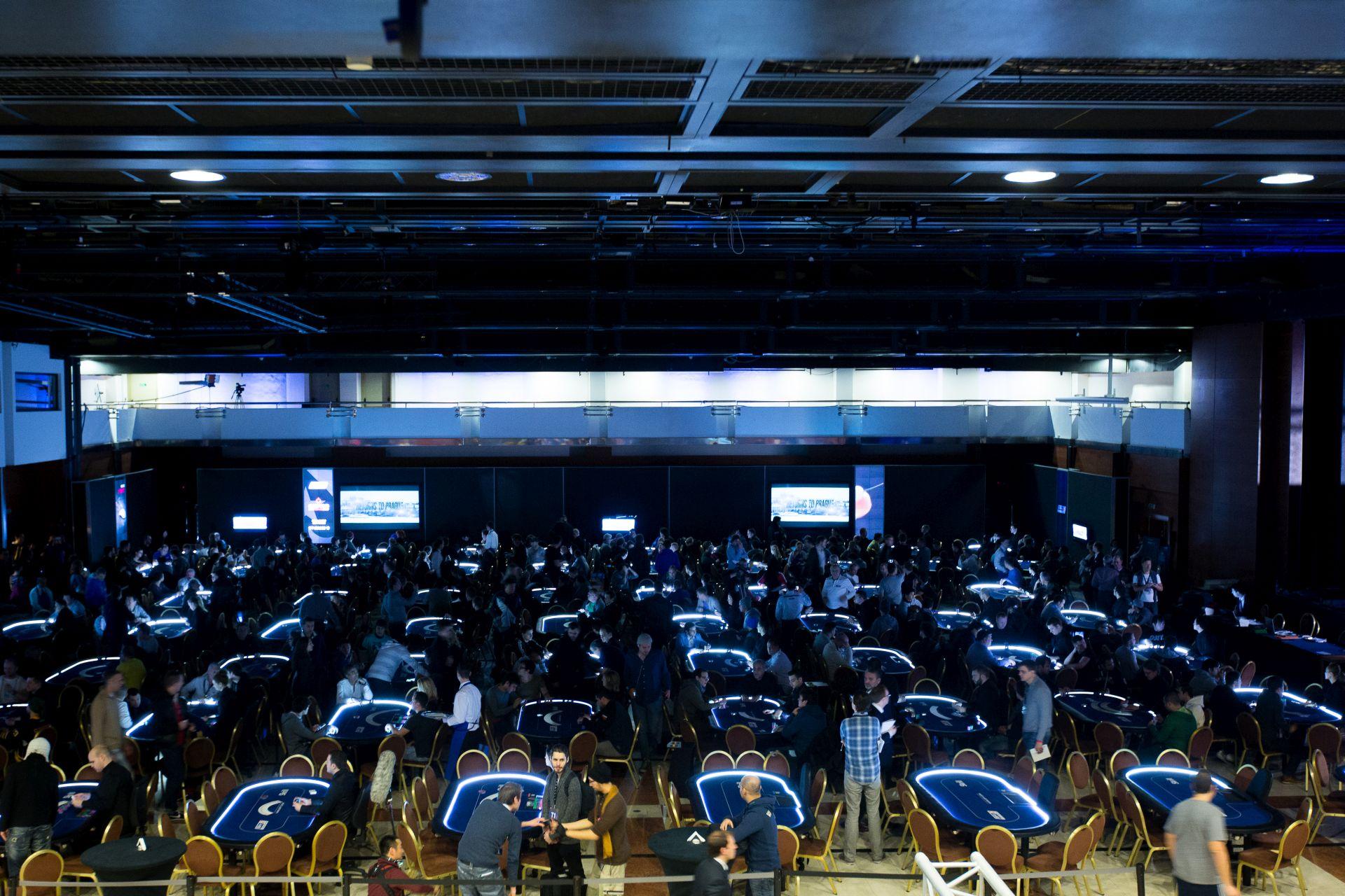 8G2A9488__EPT10PRA_Tournament_Room_Neil-Stoddart
