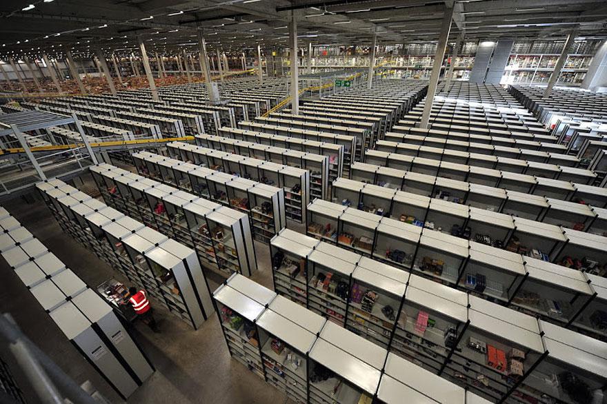 inside-amazon-warehouse-11