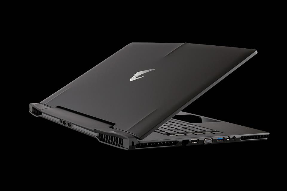Gigabyte-Aorus-X7-gaming-laptop-12