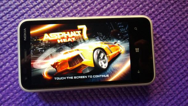 Lumia-620-Asphalt-7-Heat