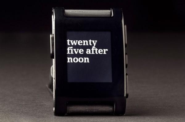 Pebble-Smartwatch-clock-text