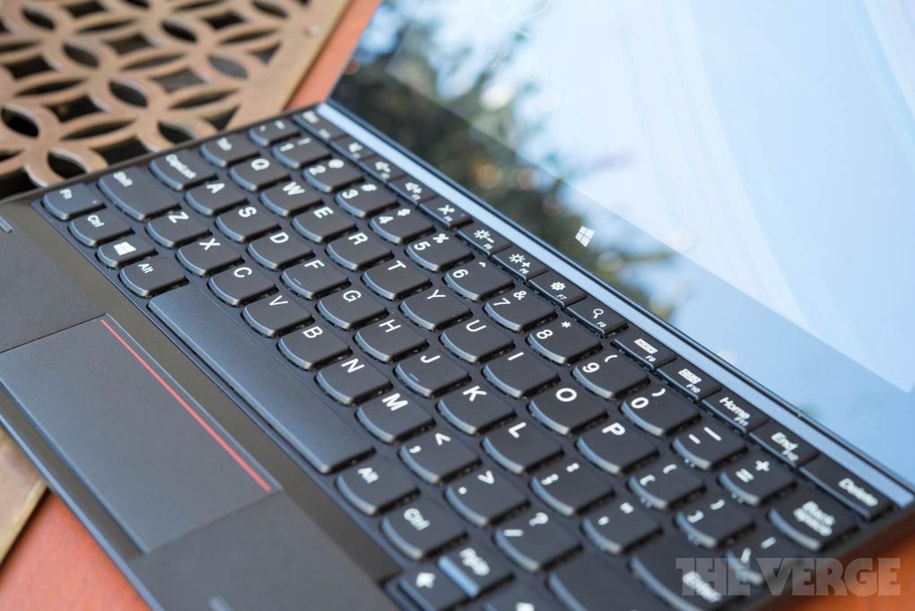 lenovo-thinkpad-10-tablet-hands-on3_2040_verge_super_wide