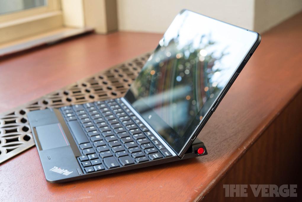 lenovo-thinkpad-10-tablet-hands-on4_2040_verge_super_wide