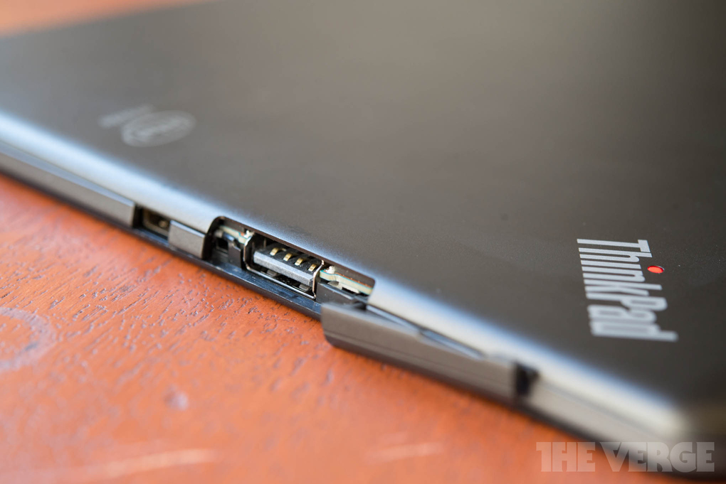 lenovo-thinkpad-10-tablet-hands-on5_2040_verge_super_wide