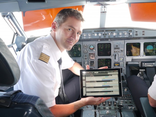 Andreas_Ritter_in_A340_mit_Surface_EFB-640x480