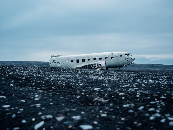 accident-crash-debris-field-3803-733x550