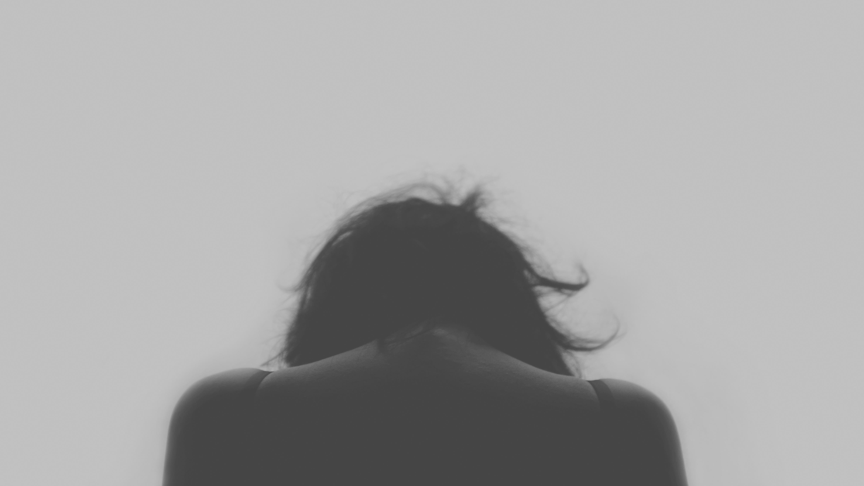 alone-depressed-depression-3351