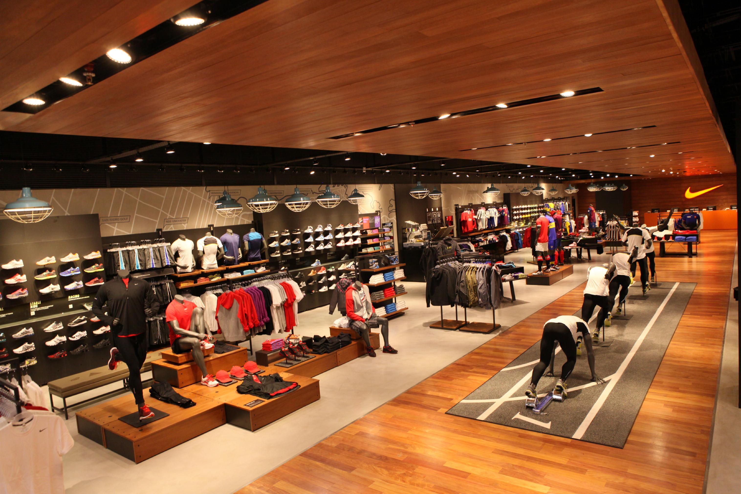 Nike_Unicenter_Store_General_View_original
