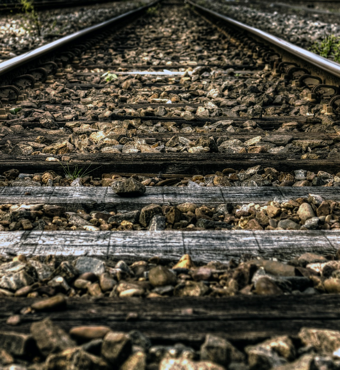railroad-384637_1280