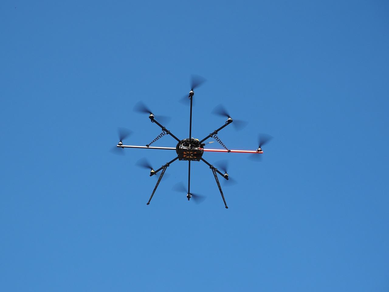 drone-592222_1280