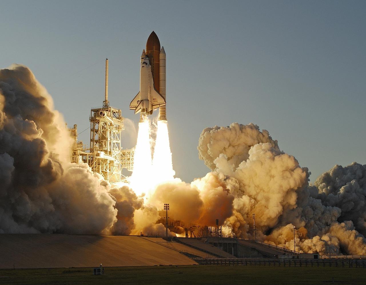 atlantis-space-shuttle-884641_1280