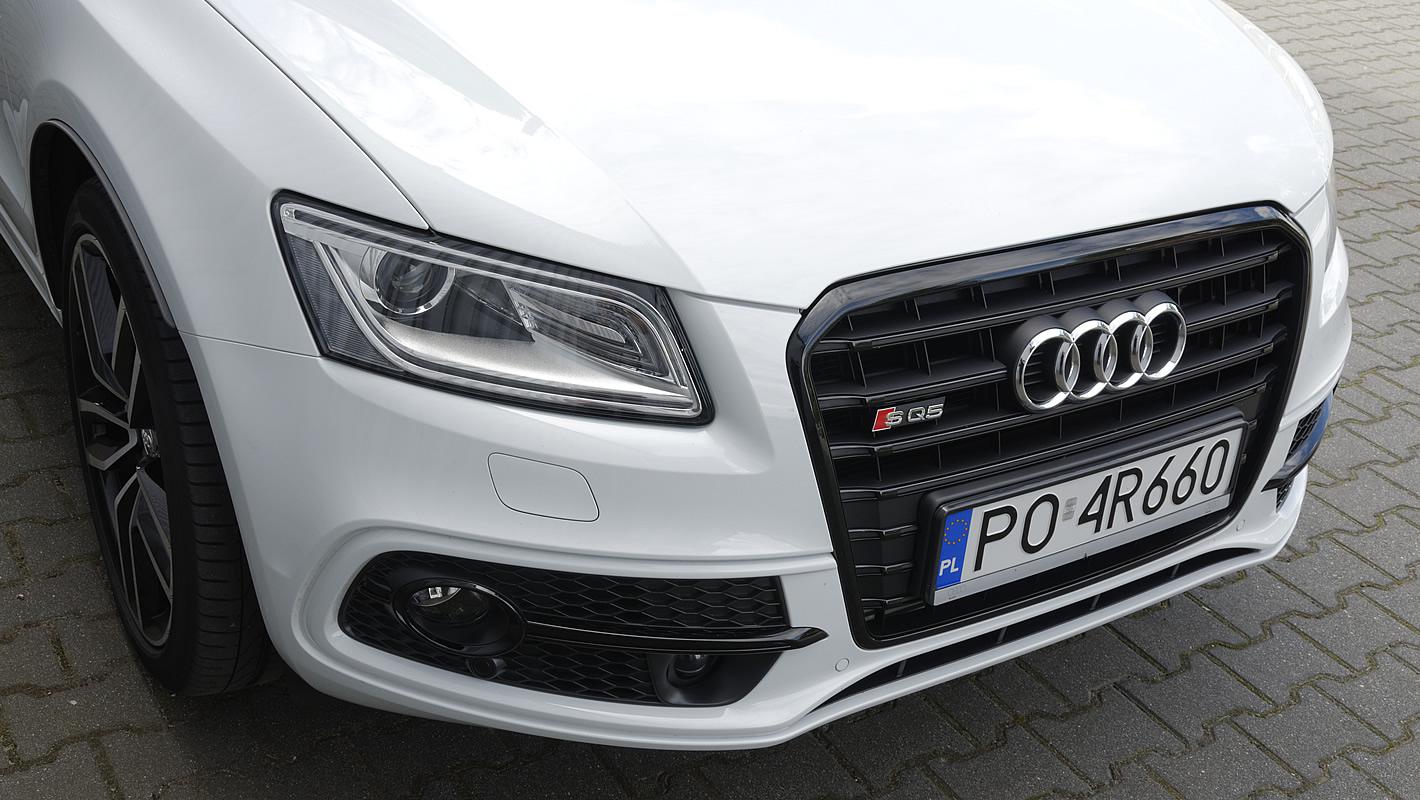 Przetłoczenia na masce Audi SQ5
