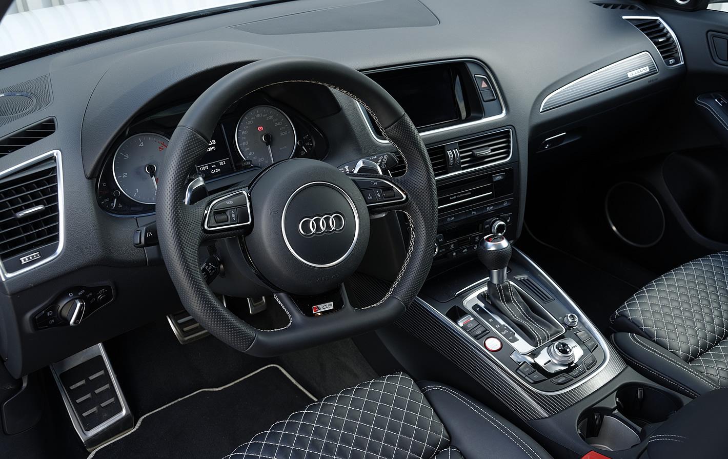 Wnętrze Audi SQ5 plus TDI