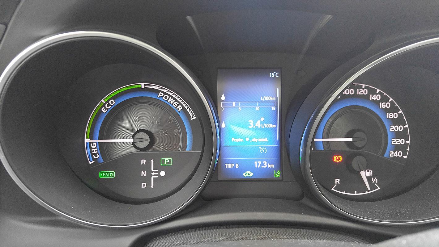 Oszczędna jazda Toyotą Auris Hybrid