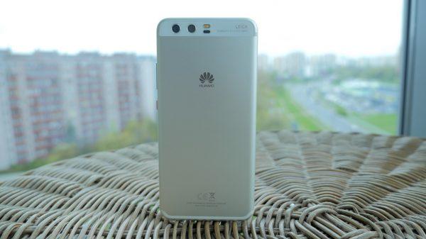 smartfon huawei - tył telefonu